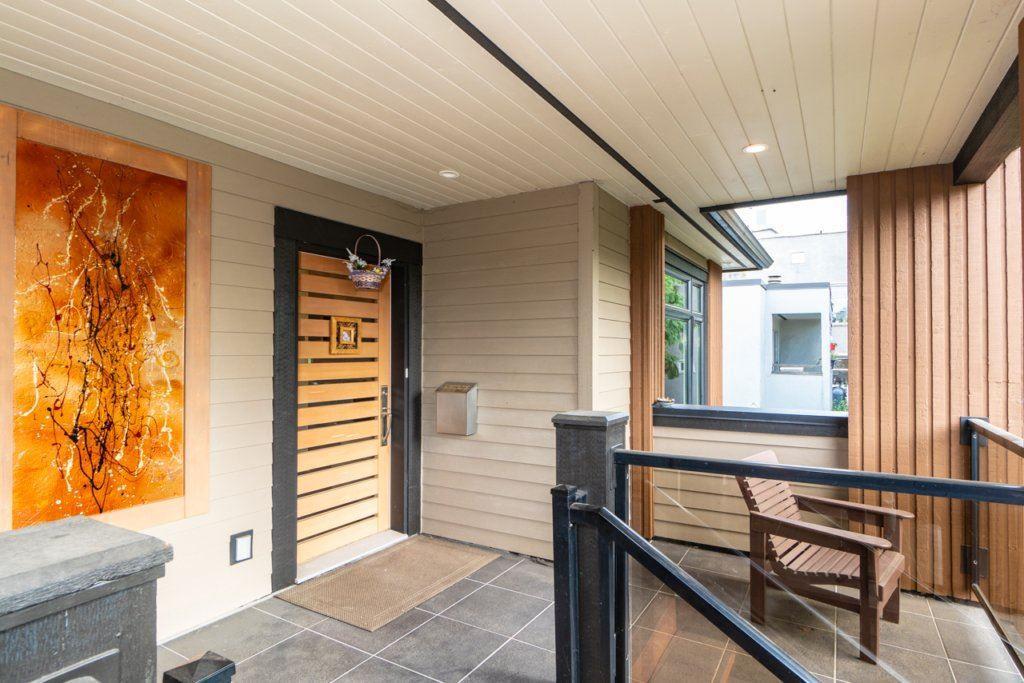 350 E 3rd Street, North Vancouver, British Columbia  V7L 1E9 - Photo 2 - R2416260